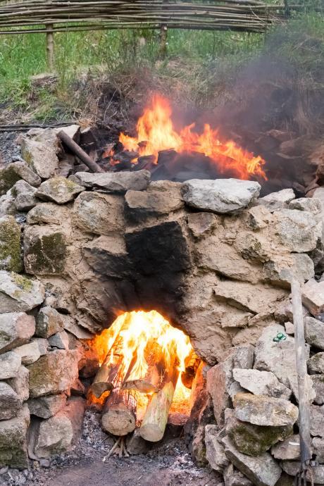 Stará huť u Adamova - 22. května 2015 - pálení vápna