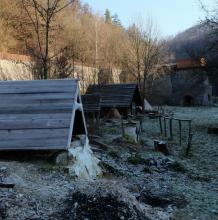 Stará huť u Adamova, listopad 2018 - Furnace (oven, kiln) Row v Josefově, jen ta keramická pec to trochu kazí.