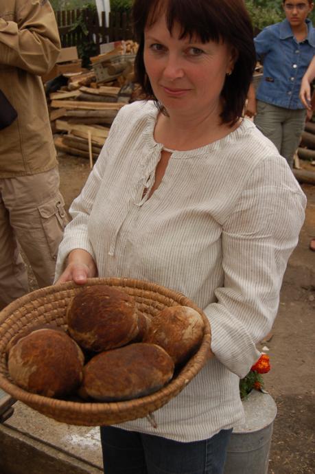 Paní Kmošková v Sebranicích umí všechno, mimo jiné ty nejlepší ošatky.