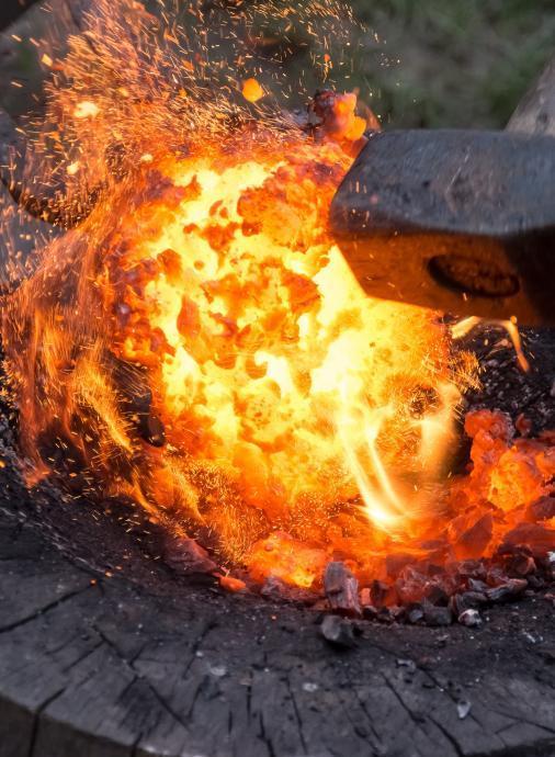 Stará huť u Adamova - zpracování železné lupy