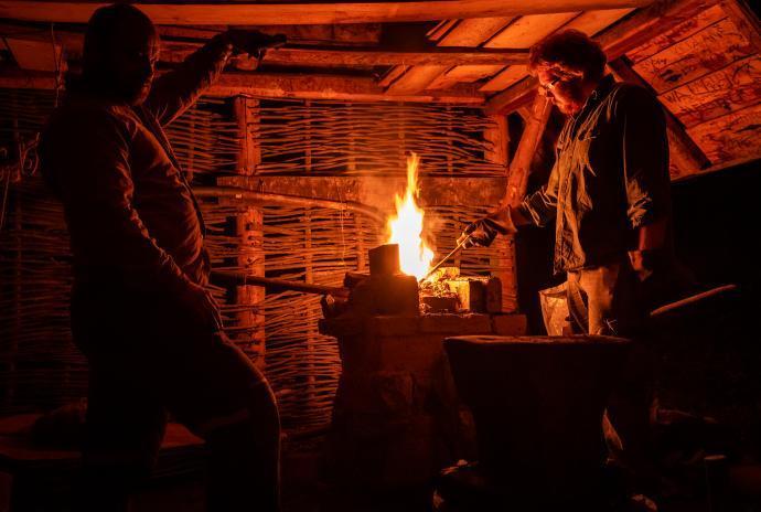 Kovárna v noci